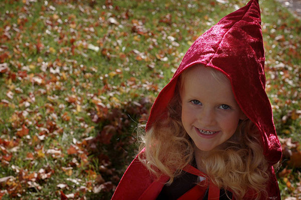 How-to-Make-a-Little-Red-Riding-Hood-Costume