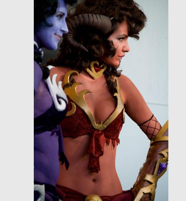 sexy-wow-Draenei-costume