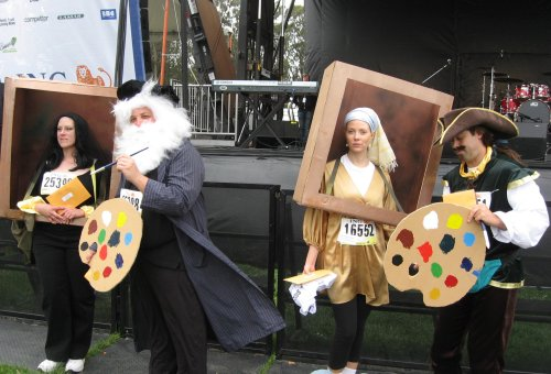 Painting-and-Painters-Couples-Costumes. These very creative group costumes ...