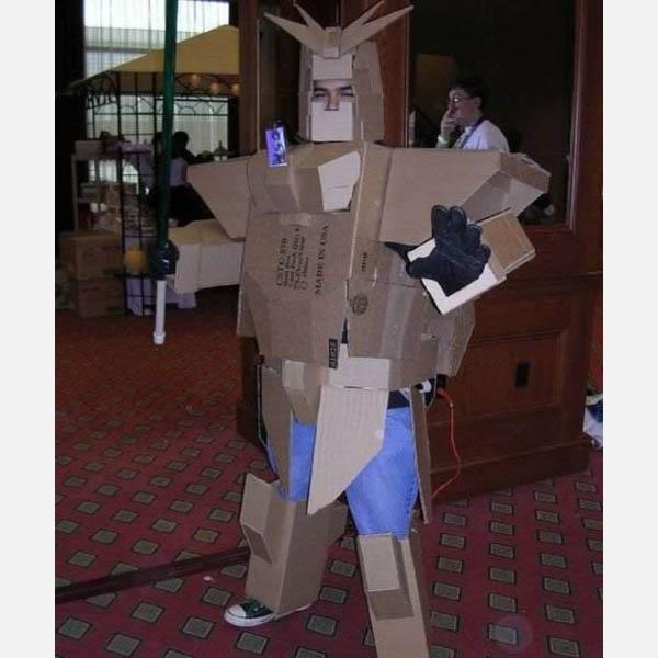 bad-cardboard-gundam-costume