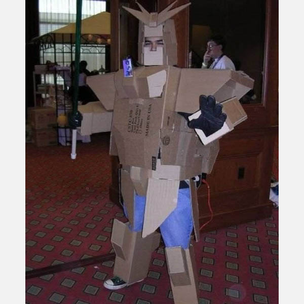bad-cardboard-gundam-costume
