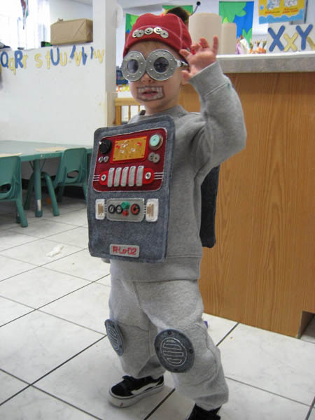 homemade-kids-robot-costume