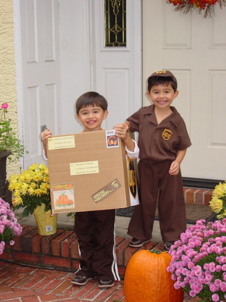 Twin Day Costume Ideas http://costumepop.com/kids-costumes/ups-man-delivers-a-package/