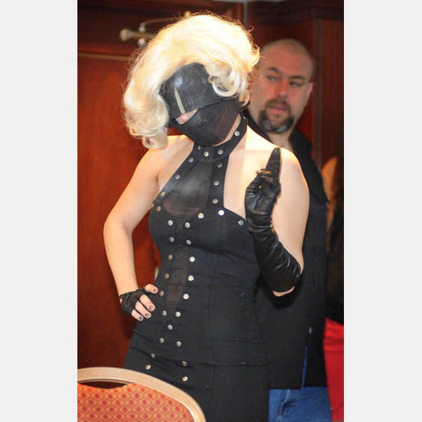 lady-gaga-bondage-mask