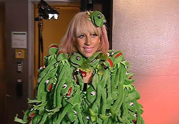 lady-gaga-kermit-coat