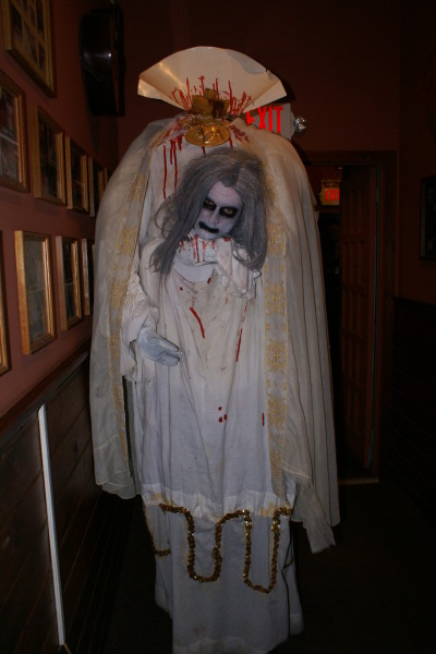 how to make a headless zombie costume