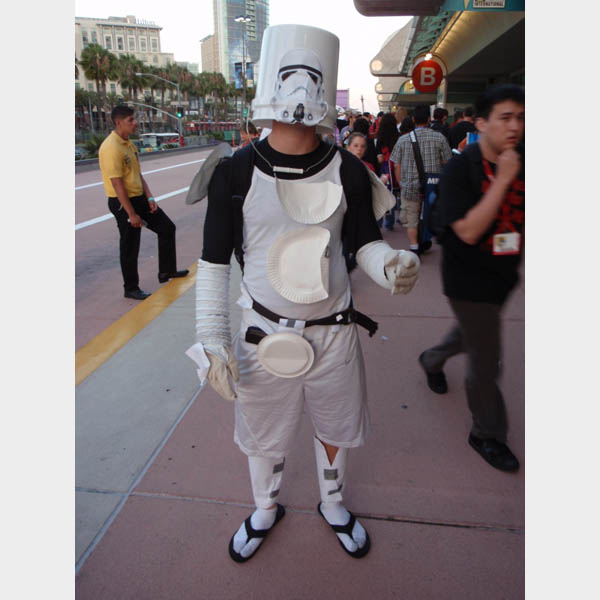 bucket-head-stormtrooper-costume1.jpg
